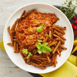 spicy pennette pasta med arrabiata stærk sovs